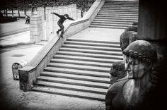 Eniz Fazliov, backside lipslide - PH  Vincent Coupeau.