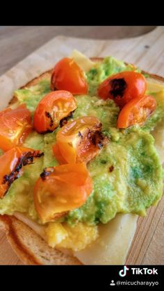 Healthy Breakfast Recipes, Easy Healthy Recipes, Real Food Recipes, Healthy Snacks, Tostadas, Diy Food, Quick Meals, I Love Food, Food Dishes