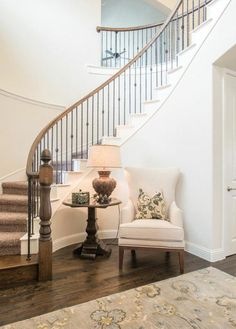 Inventive Staircase Design Tips for the Home – Voyage Afield Foyer Ideas Entryway, House Design, Foyer Design, Staircase Decor, Home, Stairway Decorating, Interior Design Living Room, Stairs Design, Stairs