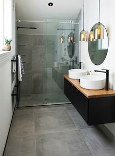 Fabulous Luxurious Bathroom Design Ideas You Need To Know – – Diy Badezimmer Bathroom Interior Design, Modern Bathroom Design, Bathroom Makeover, Bathroom Mirror, Round Mirror Bathroom, Bathroom Design Luxury, Luxury Bathroom, Bathroom Decor, Small Bathroom Remodel