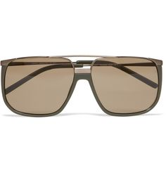 Watched a movie about YSL over the weekend. Now, I'd like these Yves Saint LaurentAviator Sunglasses, thank you very much. I think they'd suit my face shape just right.