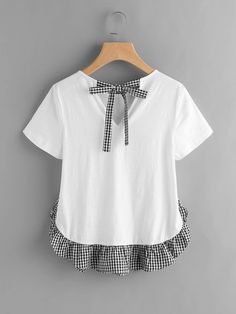 Shop Checkered Bow Back And Ruffle Trim Slub T-shirt online. SheIn offers Checkered Bow Back And Ruffle Trim Slub T-shirt & more to fit your fashionable needs. Tumblr Outfits, Chic Outfits, Diy Fashion, Fashion Outfits, Womens Fashion, Cheap Fashion, Fashion Clothes, Blouse Styles, Blouse Designs