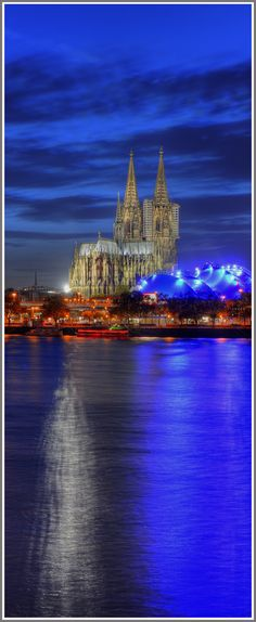 Köln Panorama im Hochformat.   http://www.acrylwerk-galerie.de
