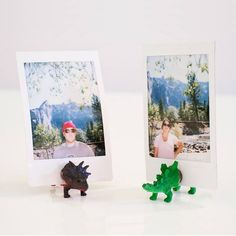 DIY Photo Stands: How to Train Your Photojojo Dinos