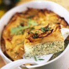 Gratin de patates douces à la ricotta et aux herbes – Ingrédients de la recette : 6 patates douce , 500 g de ricotta , 2 oeufs, 30 cl de lait , 1 bouquet de persil plat