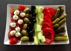 Imprezowe Hity! Ponad 30 pomysłów na przekąski, dania, sałatki i przystawki na przyjęcie :)) - Blog z apetytem Food Design, Mozzarella, Asparagus, Salad Recipes, Tapas, Catering, Sushi, Grilling, Food And Drink