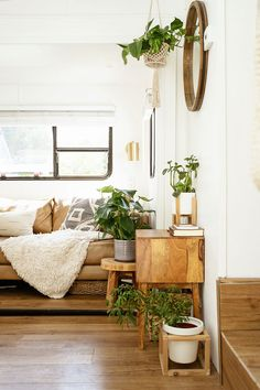 Home Tour: Inside The Bright & Air RV Home of Lexa Amstutz Small Space Living, Tiny Living, Home Decor Trends, Home Decor Inspiration, Rv Homes, Eclectic Modern, Small Space Organization, Rustic Room, Decorating Small Spaces