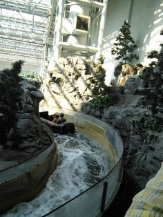 Water ride at Mall of America