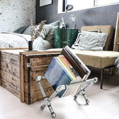 yupinokoさんの、Bedroom,寝室,DIY,オリジナル家具,輸入壁紙,セルフリノベーション,Rustic,a depeche,ドラム缶,アメブロやってます♡,3wayコンテナベンチBOX,インスタやってます♡,ガス管ブックラックについての部屋写真