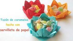 Tazón de caramelos con servilleta de papel