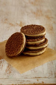 Try our delicious Chocolate-Espresso Pizzelles using Stevia and Sugar In The Raw®. Stevia Recipes, Baking Recipes, Cookie Recipes, Dessert Recipes, Brownie Recipes, Dessert Ideas, Holiday Desserts, Holiday Baking, Holiday Recipes