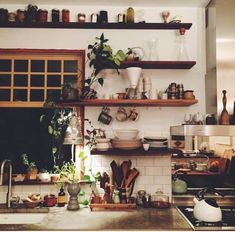 10 Portentous Useful Ideas: White Kitchen Decor Crown Moldings rose gold kitchen decor.Eat In Kitchen Decor Mason Jars kitchen decor themes dream homes. Küchen Design, House Design, Design Ideas, Shelf Design, Design Projects, Modern Design, Sweet Home, Decoration Inspiration, Decor Ideas