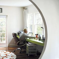 an easy DIY desk in a great color. #color #DIY
