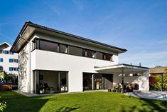 Einfamilienhaus# Satteins# Massivbau# Pool# modernes Einfamlienhaus# design Haus# mit pool# Wohndesign Site History, Modern Family House, Modern Pools, Pool Houses, Single Family, Pergola, Sweet Home, House Styles, Home Decor