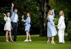 fotosessie juli 2020 Dutch Queen, Dutch Royalty, Wale, Three Daughters, Queen Maxima, Royal House, Bridesmaid Dresses, Wedding Dresses, Photo Sessions
