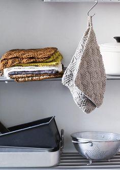 1609 Grytekluter. Gryteklut i strukturmønster Crochet Projects, Knit Crochet, Towel, Sewing, Knitting, Crafts, Zero Waste, Kitchen, Stapler