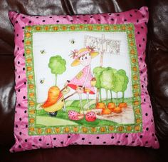 Quilted cushion Christmas Crafts, Cushions, Gardening, Throw Pillows, Toss Pillows, Toss Pillows, Pillows, Lawn And Garden, Decorative Pillows