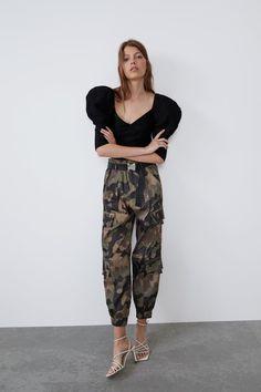 ZARA - Female - Camouflage cargo pants - Dark khaki - S Satin Trousers, Cropped Trousers, Wide Leg Trousers, Cargo Pants Women, Trousers Women, Pants For Women, Camouflage Cargo Pants, Camouflage Outfit, Zara