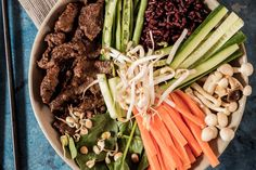 Raw Bibimbap Bowls with Bulgogi Beef - Make delicious beef recipes easy, for any occasion Bibimbap Bowl, Gluten, Bulgogi, Celery, Beef Recipes, Asparagus, Bowls, Steak, Asia
