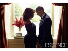 Relationship Goals! The Internet Is Going Crazy Over This Photo of Barack and Michelle Obama Getting Cozy http://www.people.com/article/barack-obama-michelle-obama-essence-magazine-relationship-goals