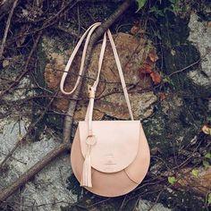 Leather Crossbody Bag, Leather Purses, Leather Handbags, Leather Bag, Leather Wallet Pattern, Stylish Backpacks, Designer Shoulder Bags, Custom Bags, Vintage Handbags