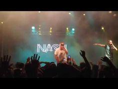 """La emotiva canción """"Viviendo"""" interpretada hoy 27 de Noviembre de 2015 por el rapero """"NACH""""; durante la presentación oficial de su nuevo disco """"A Través de Mi"""" en la """"Sala Apolo"""" de Barcelona! El rodaje de la canción incluye la presentación que hace el propio """"Nach"""" de todo su equipo de trabajo (Siempre tan Importantes!).  Por favor ver el vídeo en calidad 1080p!   Rodado por: """"S.H's"""" / El Leñador  Producido por: """"Leñador Films TV""""  Web: http://www.xavi-sh.com/  Facebook…"""