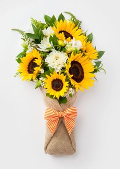 If you want to Send Fresh Flowers to Dubai then getting it online will make the way easy and the company will offer many discounts and facilities to their customer. Beautiful Bouquet Of Flowers, Beautiful Flower Arrangements, Love Flowers, Fresh Flowers, Sunflower Arrangements, Sunflower Bouquets, Floral Arrangements, Flower Box Gift, Flower Boxes