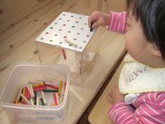 手作りおもちゃ「ペグ挿し 三色・透明ケース」 1歳6ヶ月〜 ( 育児 ) - あっちこっち、まーごん。 - Yahoo!ブログ Motor Skills Activities, Toddler Activities, Baby Crafts, Fun Crafts, Diy For Kids, Crafts For Kids, Activity Board, Homemade Toys, Montessori Toys