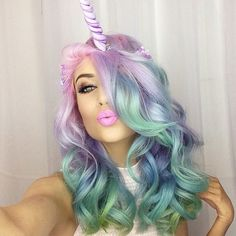 Seriously speechless. Hair Addict @amythemermaidx is the perfect combination of #mermaid and #unicorn. We love her!