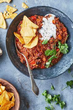 Vegetar opskrift på chili sin carne // Vegetarian recipe for chili sin carne Veg Recipes, Mexican Food Recipes, Vegetarian Recipes, Healthy Recipes, Food Crush, Food Is Fuel, Dinner Is Served, Health Eating, Food Inspiration