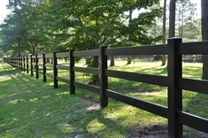 Black split rail / 3 rail fence