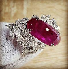 Tumble cut burmese ruby studded in Au Dis beautiful setting  #Burmese Ruby #highendjewelry #rubyrings #rubywithdiamond #diamondring