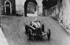1935 Bergamo Grand Prix : Tazio Nuvolari, Alfa Romeo Tipo-B P3 #2, Scuderia Ferrari, Winner (ph: ColdTrackDays.com)