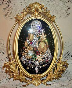 Vintage Jewelry Framed Christmas Tree  265