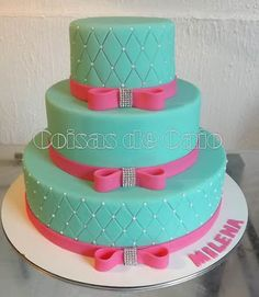 Atelier Coisas de Caio: Bolo 15 anos com Azul Tiffany 2 Tier Cake, Tiered Cakes, Just Cakes, Cakes And More, Bolo Panda, Lindor, Cake Board, Pink Turquoise, Sweet Cakes