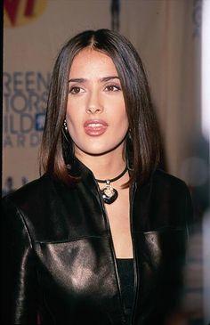 Salma Hayek 1997 Pictures and Photos - Getty Images Salma Hayek Bikini, Salma Hayek Hair, Salma Hayek Style, Salma Hayek Body, Salma Ayek, Telenovela Teresa, Salma Hayek Pictures, 90s Hairstyles, Celebrity Look