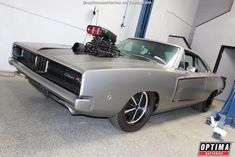 Vintage Cars Peter Sagan's 1970 Dodge Charger features a blown 572 built by MASCAR - Dodge Srt, Dodge Muscle Cars, Dual Clutch Transmission, Bmw Classic Cars, Diesel Cars, Bmw 5 Series, Small Cars, Car Manufacturers, Dodge Charger