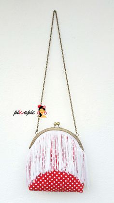 www.pikapic.es Bolso flamenco de flecos Bag Making, Dream Catcher, Purses, How To Make, Diy, Inspiration, Scrappy Quilts, Natural Person, Fabric Purses