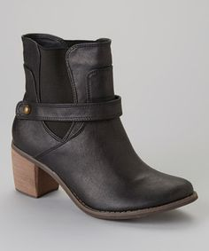 Casual yet stylish, a classic boot is a mainstay for any closet. A modest heel and stretchy sides make this shoe a seasonal staple.