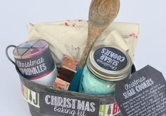 Here's How To Make A Christmas Baking Kit In 6 Steps