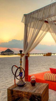 Kanuhura - 10 Amazing Beach Cabanas to Sleep Off a Hangover