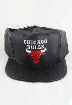 VINTAGE LEATHER CHICAGO BULLS SNAPBACK HAT 15eaaf13d69