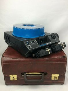 KODAK CAROUSEL 4600 35mm SLIDE PROJECTOR With Case And Remotes  *FULLY TESTED* #Kodak Projectors, Carousel, Bags, Handbags, Carousels, Bag, Totes, Hand Bags