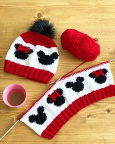 Mickey Strickmütze Mickey Strickmütze, Liebe stricken, How Do You Make A Crochet Ladies ' Hat? You can watch in detail the construction of a fedora… Knitted Hats Kids, Baby Hats Knitting, Baby Knitting Patterns, Knitting Designs, Hand Knitting, Crochet Patterns, Knitting Scarves, Baby Patterns, Diy Crafts Knitting