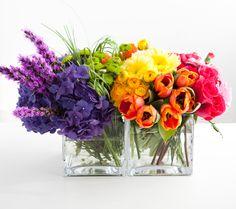 Floral rainbow bouquet tutorial using liatris, hydrangea, Kermit mums, bear grass, ranunculus, Gerbera daisy, tulips, mini carnations, and roses.    Original site:  http://onecharmingparty.com/2010/09/17/art-gallery-party-flower-arrangement-tutorial/