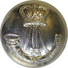 North Saskatchewan Regiment (Canada) - Military uniform button for sale Queen Elizabeth Crown, Queen Crown, Buttons For Sale, Canadian Army, Armed Forces, Badges, Canada, Military, Metal