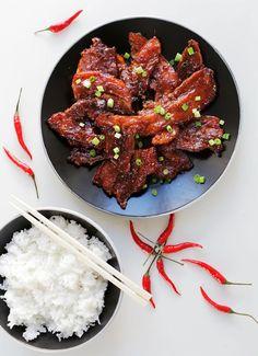Šťavnatý bůček 3x jinak. Vyzkoušejte tuto křupavou dobrotu! - Proženy Bucky, Chicken Wings, Asian Recipes, Food And Drink, Meat, Cooking, Asia, Kitchen, Asian Food Recipes