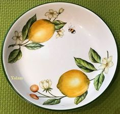 Sueños compartidos : Amarillo limón Pottery Painting, Ceramic Painting, Ceramic Art, Ceramic Plates, Porcelain Ceramics, Ceramic Pottery, Lemon Kitchen, Cherry Kitchen, Veggie Art