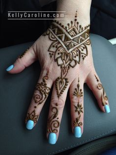 Geometric henna tattoo designs - on trend henna tattoos of 2019