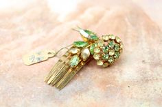 Vintage New Old Stock Denbe Rhinestone Hair Clip Barrette // New Old Stock // Spring Loaded Moving Flower Hair Clip // Green // 1950s by VintageWhimZ on Etsy https://www.etsy.com/listing/524039166/vintage-new-old-stock-denbe-rhinestone #hairclips